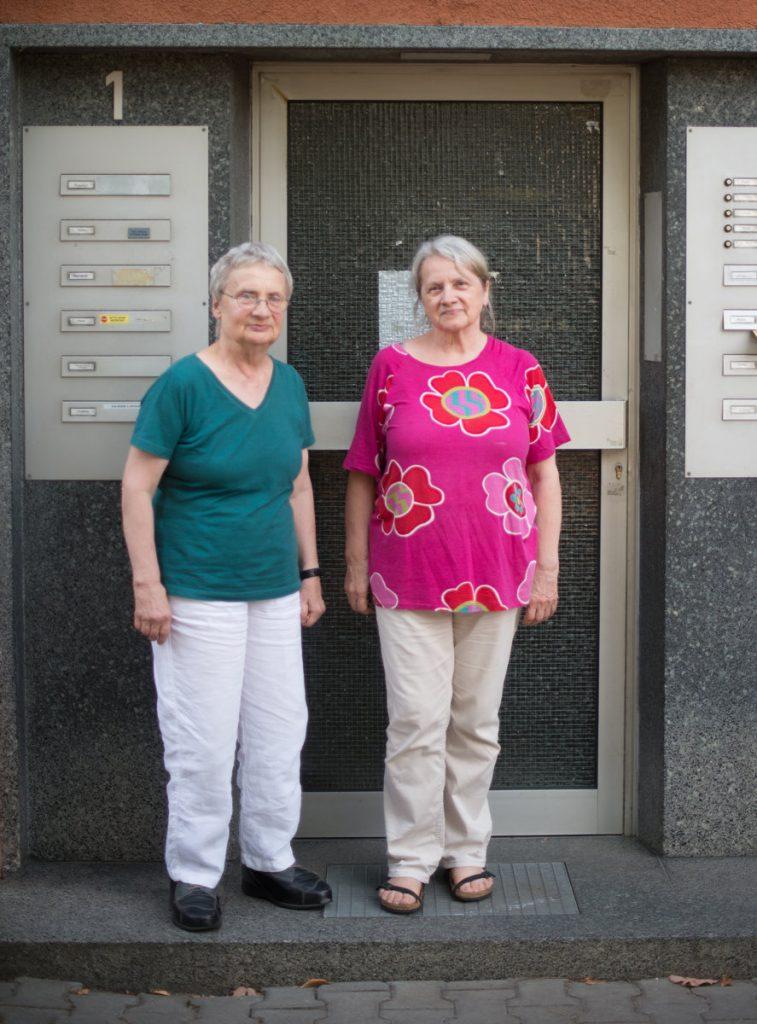 Marianne (links) mit Gertrud im Juli 2018. Foto: Tim Schäfer/Wohngeno